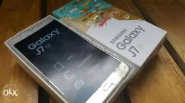 Samsung j7 6 in box