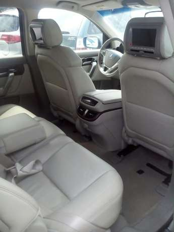 Acura MDX available in show room Apapa - image 6
