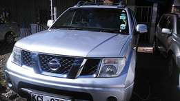 Nissan Navara (2009)manual 4wd optional