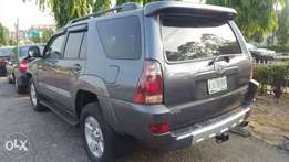 Neatly used Toyota 4runner 2004 model accident free Lagos cleared