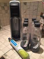 Soda Stream + 6 Original Bottles+ 1 Full Gas Cylinder