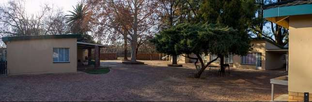 Bachelor's to rent 1.5km from University for students Potchefstroom - image 1