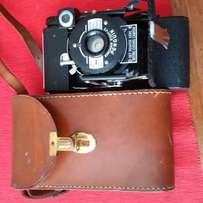 Collector 1950 Vintage Penguin Camera in Leaather Case