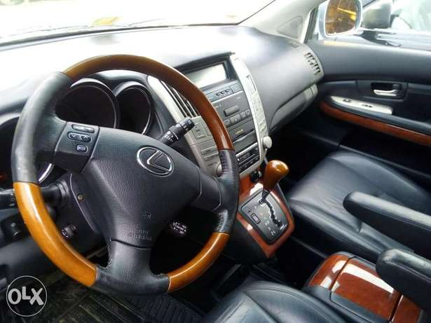 Tokunbo Lexus Rx330 for sale Lagos Mainland - image 4