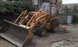 Backhoe Case 580D. Imported from USA- TAKING OFFERS