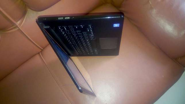 Very Clean UK Used Dell Inspiron 14- Very Flat With 9hrs Battery Life Oshodi/Isolo - image 3