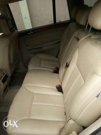 Mercedes-Benz GL450 07 model Nigeria used Ikeja - image 2