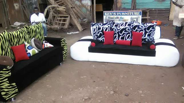 D arm shape five seater Kisumu CBD - image 1