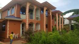 Colourful 4 bedroom fully furnished crib to let in Ntinda at 3000$