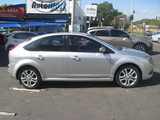 2009 Ford Focus 1.6 5-Door Si For R85000 Johannesburg - image 3