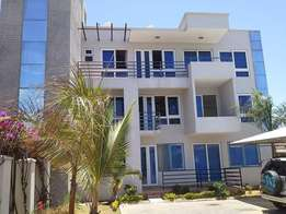 Modern 3 bedroom apartment with swimming pool and Ample parking