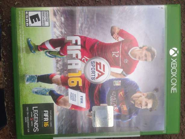 Original Xbox one Fifa 16&17 game Cds for swap with an adventure game Ibadan North - image 1