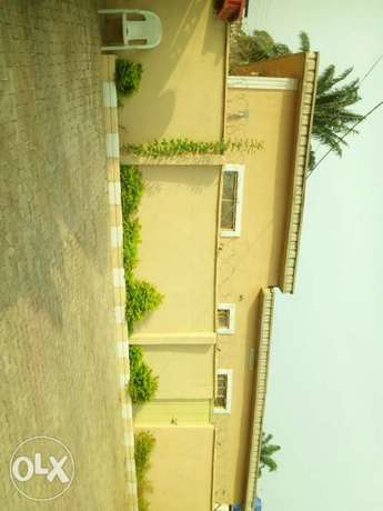 6 bedroom detached duplex with 2 bedroom and a room & parlour Ibadan North - image 6