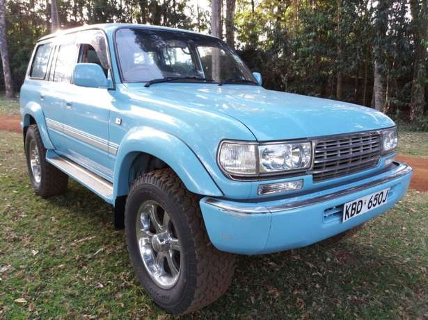 Off-road lover! Toyota Landcruiser Auto Petrol Extremely Clean Karen - image 1