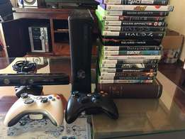 Xbox 360 + 2 controllers (one white, one black) + kinect + 18 Games