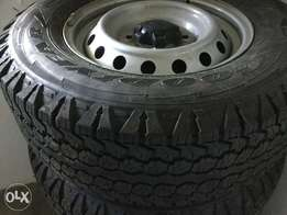 Ford Ranger Goodyear Wrangler tyres with rims for sale 245x65x16C