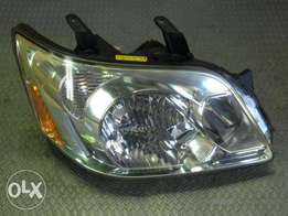 Toyota Noah 2006 model Headlamp (xenon type)
