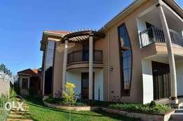 Kisaasi-Kyanja mansion on sale.6beds/5baths going for 750M