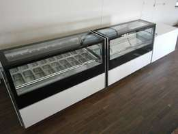 Ice Cream Gelato Scoop Freezer / Patisserie Display Case