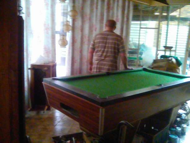 Unslotted pool table Villieria - image 1