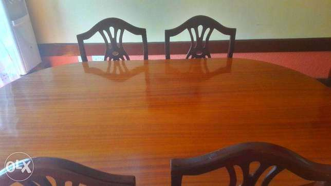 Stylish, luxurious and comfortable dining table for sale! Nairobi CBD - image 4