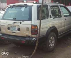 Clean used 1998 nissan pathfinder