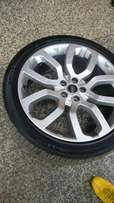 Range rover 2015 rim and tyres