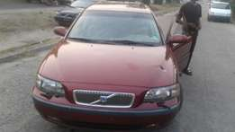 Super clean 2005 volvo v70. Firstbody. accident free.lagos cleared