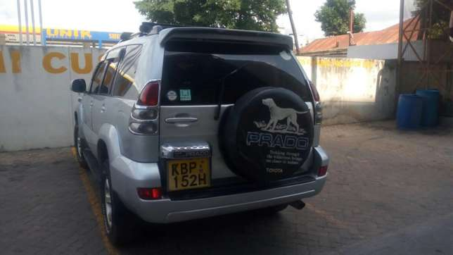 Toyota Prado landcruiser for sale Ganjoni - image 4