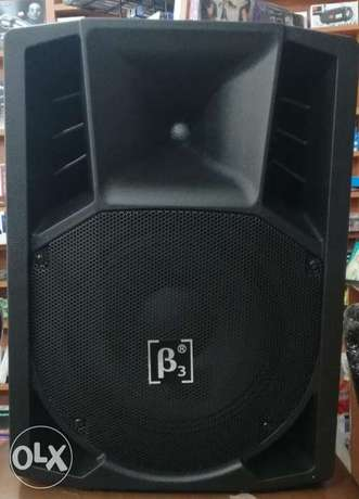 powered speaker beta three 15 inch,400w rms,line in, mic in,usb,new