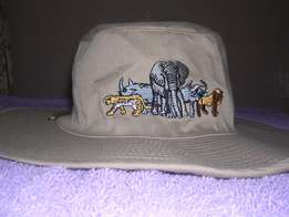 4. Protect yourself against the sun with a Safari hat.