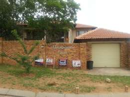 2bed 1bath available in Wilgeheuwel