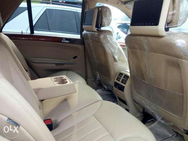 Foreign used 2007 Mercedes Benz Ml350 4matic. Direct tokunbo Lagos Mainland - image 4