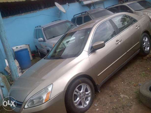 Sparkling and xcellent tokunbo Honda Accord gold 2007 Apapa - image 7