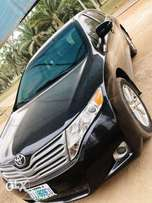 Venza for sale at give away price,clean and in good condition