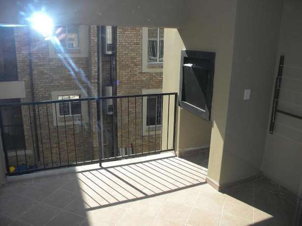 2 Bedroom Apartment / Flat to Rent in Northwold North Riding - image 2