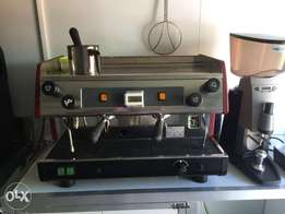 2 station coffee machine and coffee grinder