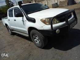 Toyota hilux double cab local 2007