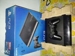 Clean like new Ps3 (500Gb) wit reciept and 7 games