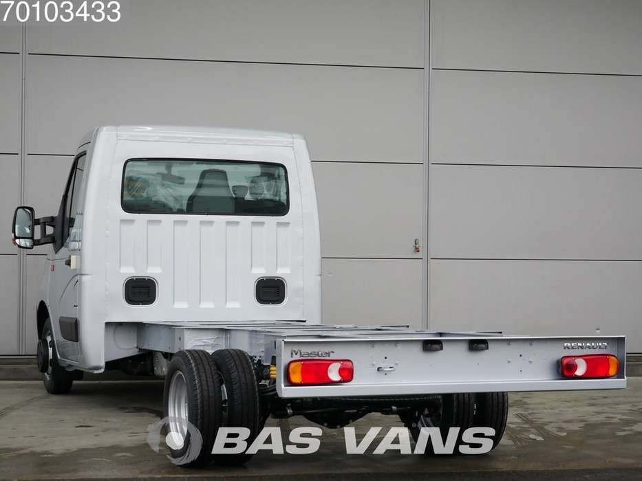 Renault Master Chassis cabine 165PK Dubbellucht Navigatie Airco 3... - 2019 - image 2