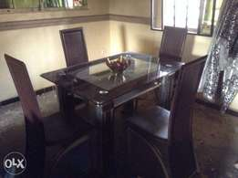 Exclusive dining table for Kings