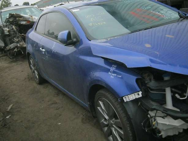 2012 KIA CERATO COUP Stripping for spares Newcastle - image 3