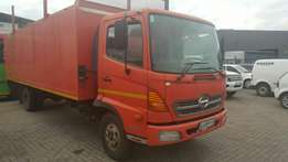 Neat 2011 Hino 5ton truck with low mileage for sale!!