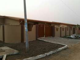 3besrooms self compound for rent
