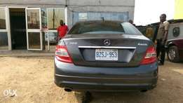 Extremely Clean Tokunbo Mercedes Benz C300/ 2009