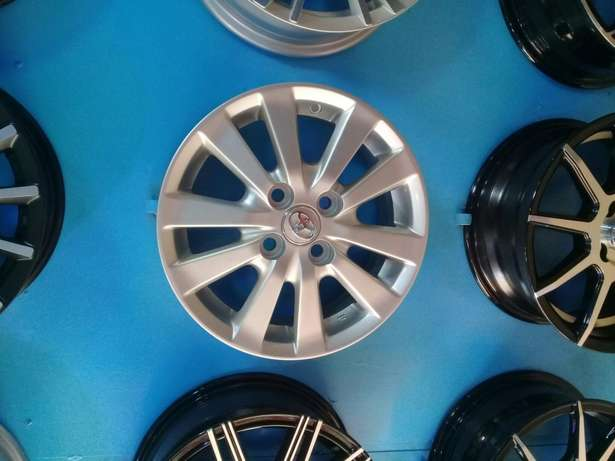 Rims for toyota 4hole original all available Nairobi CBD - image 1