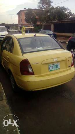 Hyundai accent 2009 model for fast sell Surulere - image 3