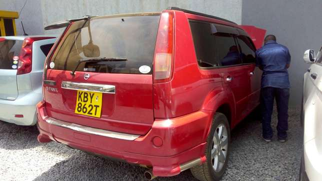 Nissan extrail quick sale very clean in mint condition Nairobi CBD - image 2