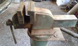 Big industrial vice for sale