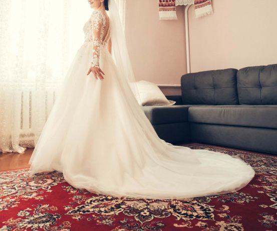 5cc4b5f36ee6aa Весільне плаття!!!ШИКАРНЕ!!: 9 000 грн. - Весільні сукні Луцьк на Olx